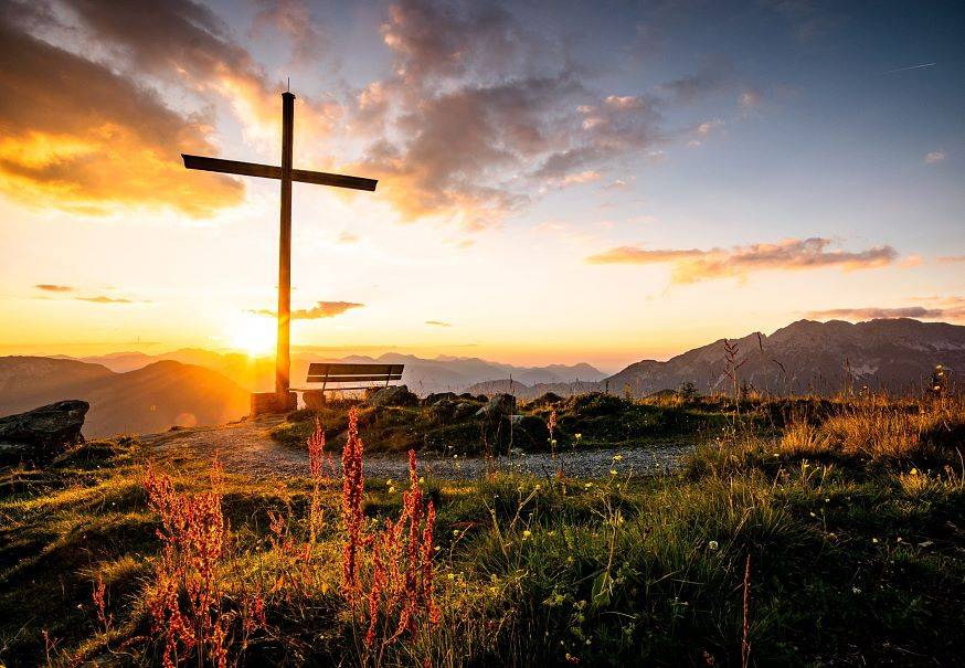 Landscape-Spring-Summit-Cross-Brandstadl-Scheffau-Photo-Manuel-Bialucha-2